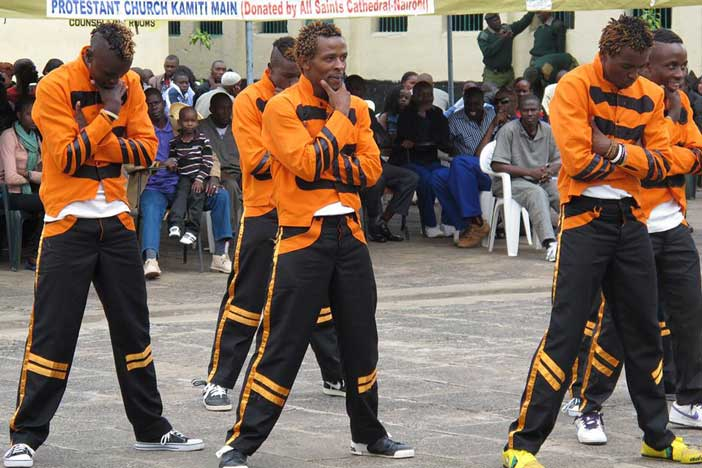 A few dancing and acrobatic groups performed before the guest, all were inmates from Kamiti Maximum Prison and Nairobi Remand and Allocation.