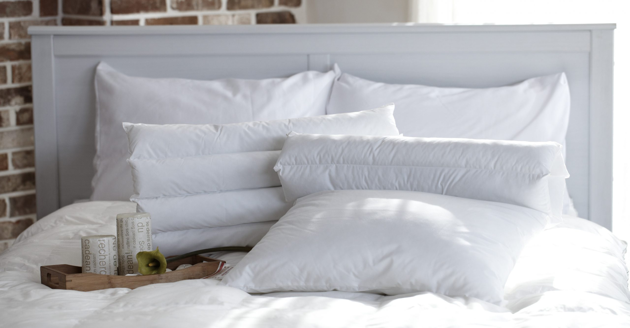 washing white bed linen
